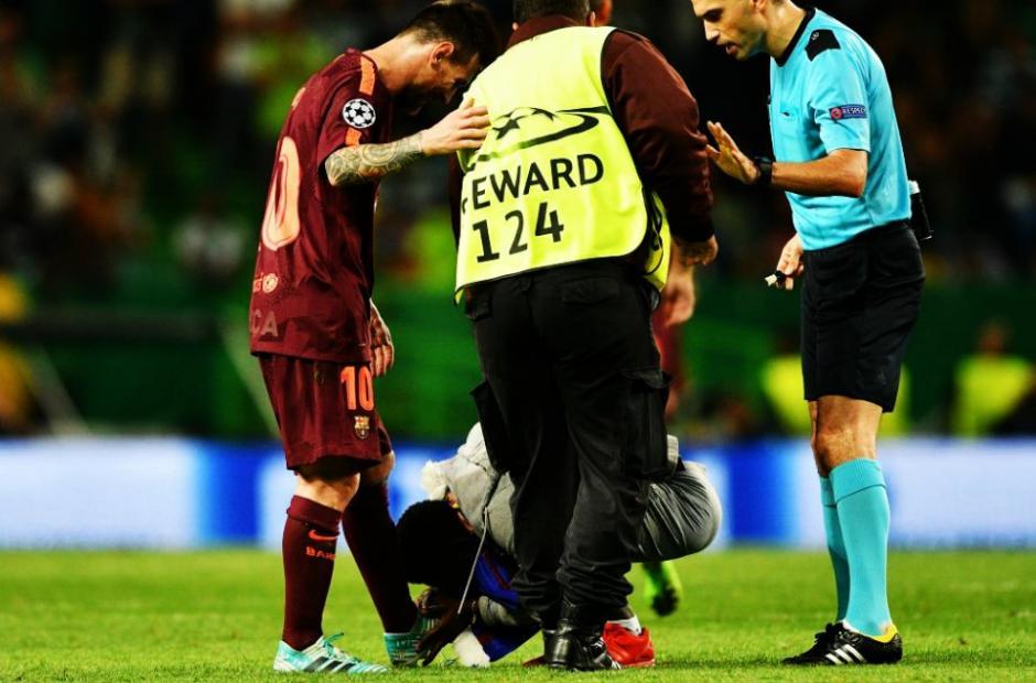 El seguidor no aguantó la emoción de ver a Leo. (Foto: VG Sports)