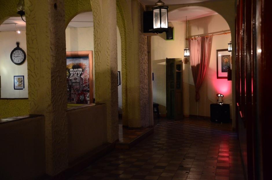 Este corredor guía a las habitaciones más lujosas del pasado del Gran Hotel. (Foto: Selene Mejía/Soy502)