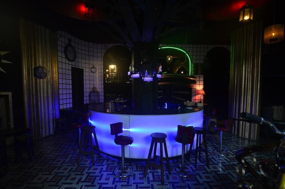 Este es uno de los dos bares donde actualmente los visitantes pueden disfrutar de distintas bebidas. (Foto: Selene Mejía/Soy502)