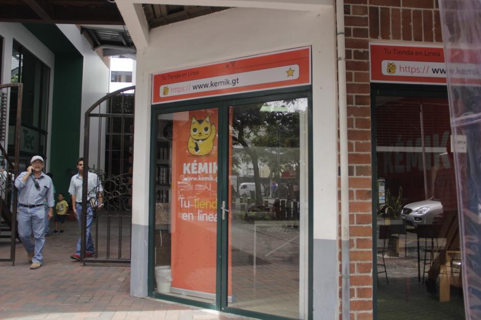 Kemik ha sido una de las primeras tiendas que surgió en este complejo. (Foto: Fredy Hernández/Soy502)
