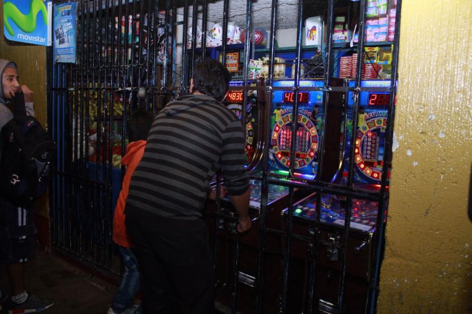 35 tiendas fueron cerradas en el operativo. (Foto: Municipalidad de Mixco)