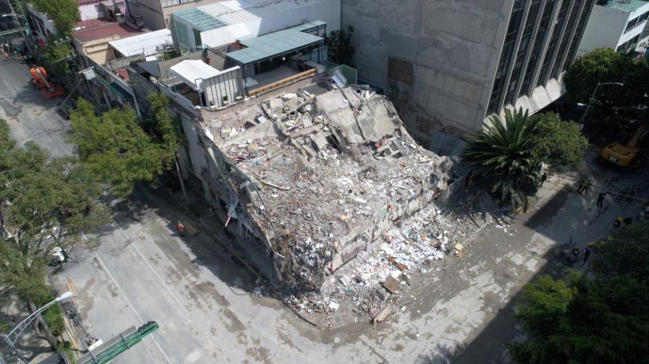 Las autoridades registran la muerte de 335 personas por el terremoto. (Foto: Santiago Arau)