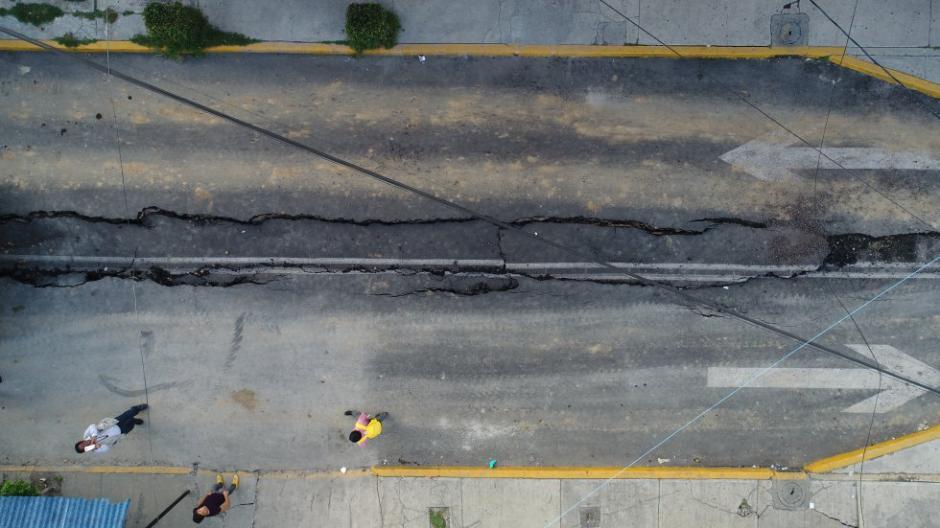 Varias calles de la capital Mexicana se partieron por el terremoto. (Foto: Santiago Arau)
