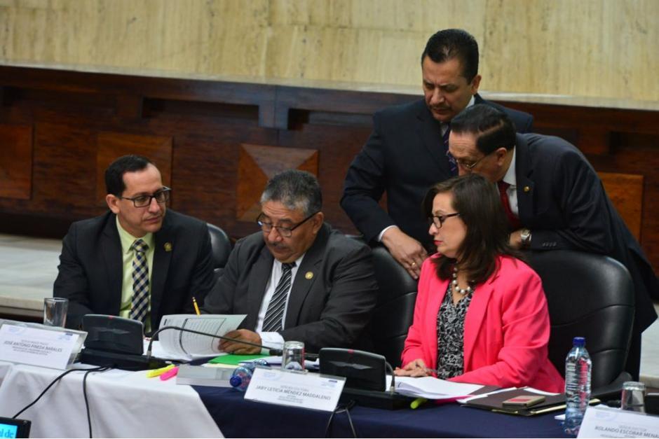 Los comisionados entrevistaron a los 30 postulantes. (Foto: Jesús Alfonso/Soy502)