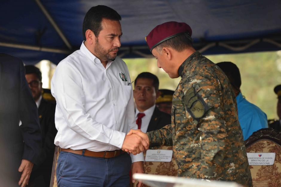 El presidente Jimmy Morales agradeció al ministro de Defensa por su apoyo. (Foto: Jesús Alfonso/Soy502)