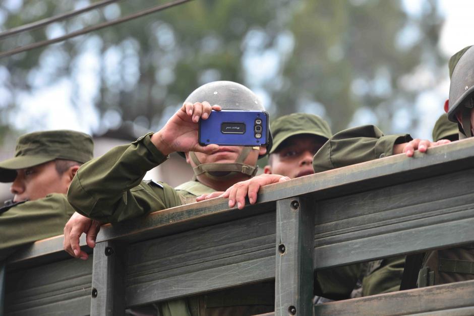 Soldados participaron en el acto protocolario. (Foto: Jesús Alfonso/Soy502)