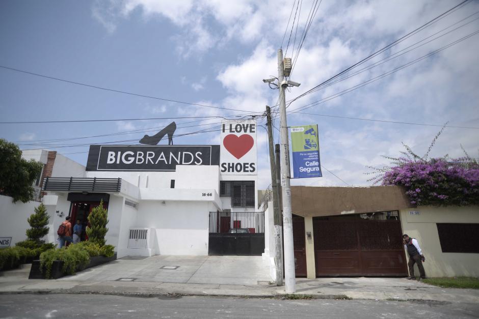 El negocio vecino en otras ocasiones ha sufrido algún destrozo en sus cámaras de seguridad.  (Foto: Wilder López/Soy502)