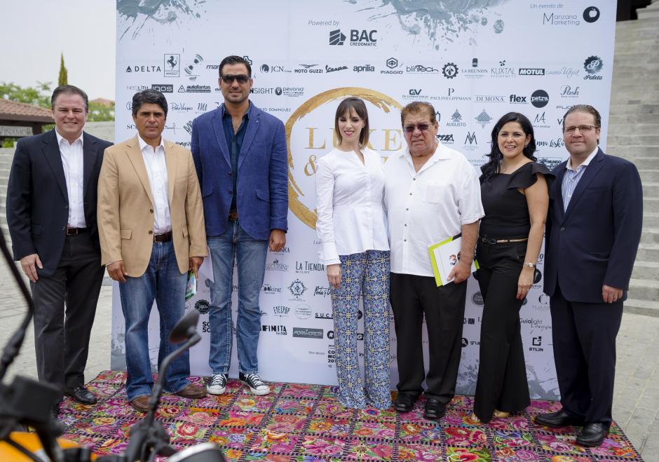 Representantes de marcas participantes y organizadores de Luxe&Life 2018. (Foto: George Rojas/Soy502)