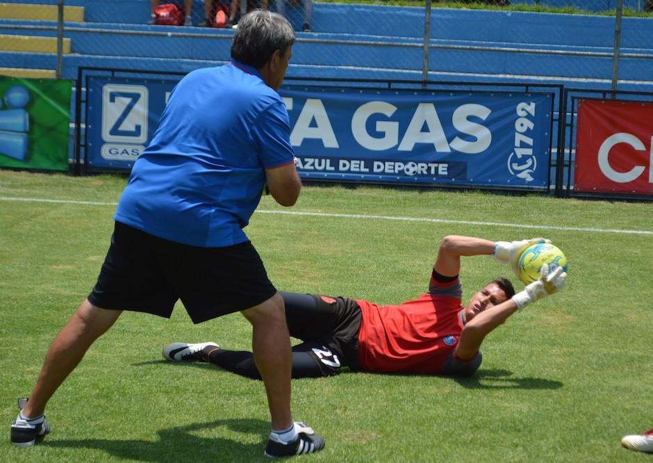 Úbeda fue titular en el partido de Municipal ante Cobán Imperial. (Foto: Rudy Martínez/Soy502)