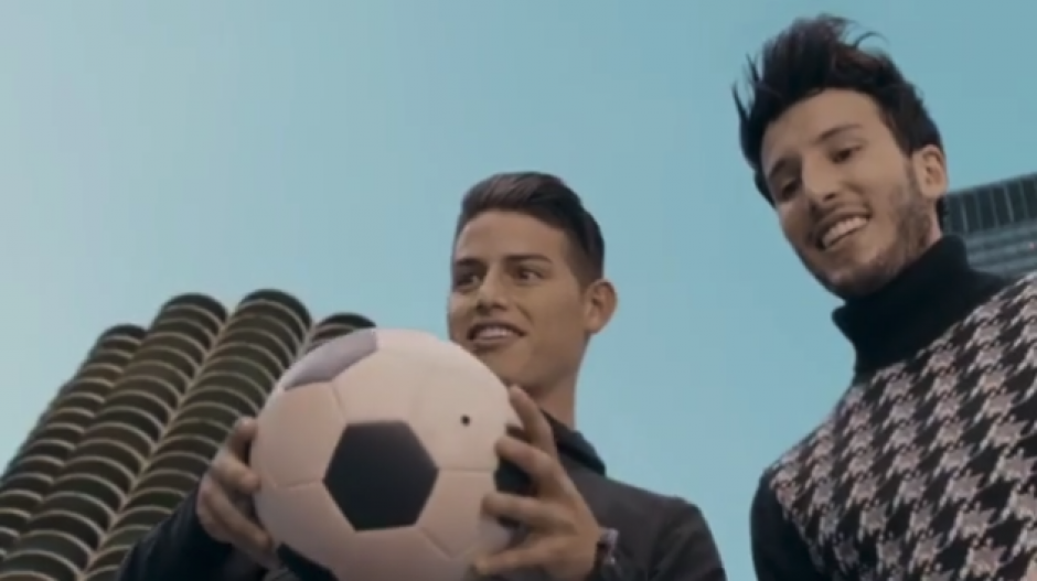 El delantero colombiano James Rodríguez aportará su talento en el video musical. (Foto: captura)