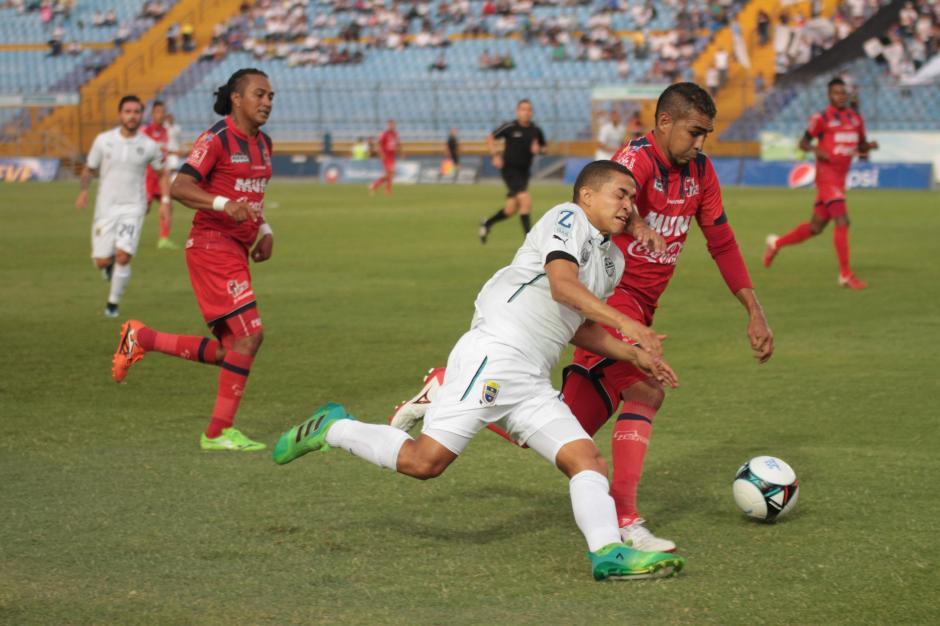 Comunicaciones pudo anotar más de cinco goles. (Foto: Rudy Martínez/Soy502)
