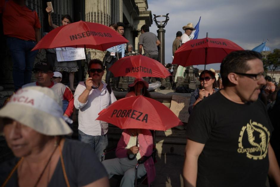 El ingenio de los guatemaltecos se vio en la protesta. (Foto: Wilder López/Soy502)