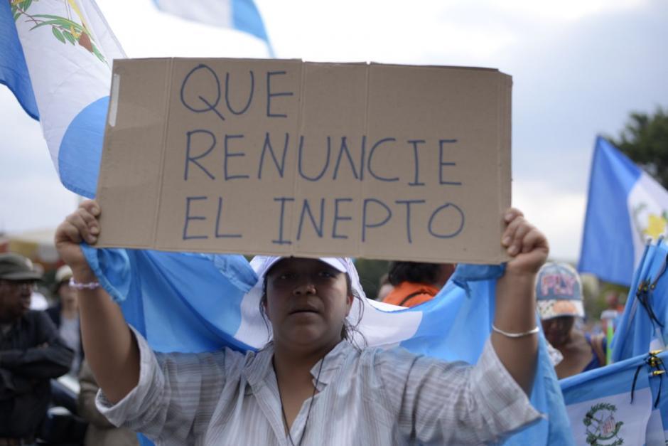 Con pancartas y consignas pidieron la renuncia del Presidente. (Foto: Wilder López/Soy502)