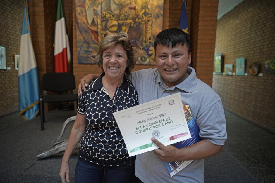 Claudia Romano, directora de la institución, le abrió las puertas a Pedro. (Foto: Wilder López/Soy502)