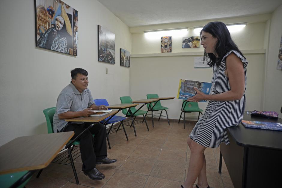 El muchacho conoció a la maestra Angela Bernardi. (Foto: Wilder López/Soy502)