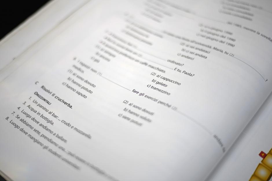 La beca incluye los libros para la práctica de este lenguaje. (Foto: Wilder López/Soy502)