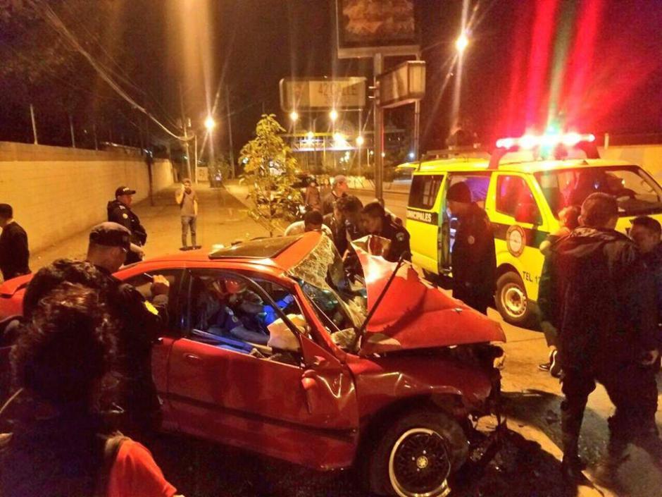 El accidente se registró frente a las instalaciones del Irtra. (Foto: Bomberos Municipales)