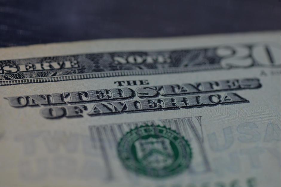 Actualmente El Dólar Se Cambia A 7 52 Quetzales Según La Referencia Del Banco De