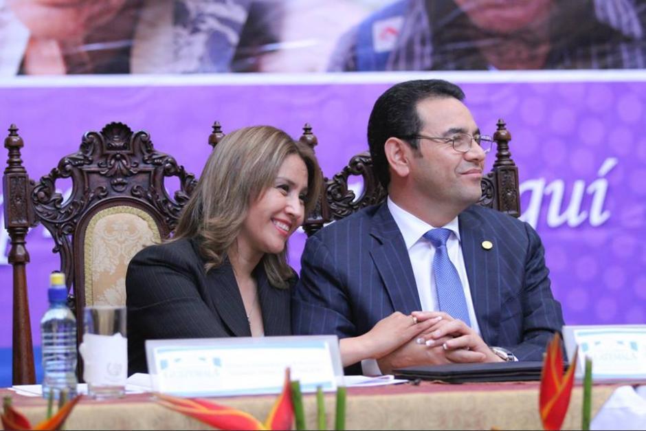 El matrimonio Morales Marroquín celebra sus 25 años de casados. (Foto: Gobierno)