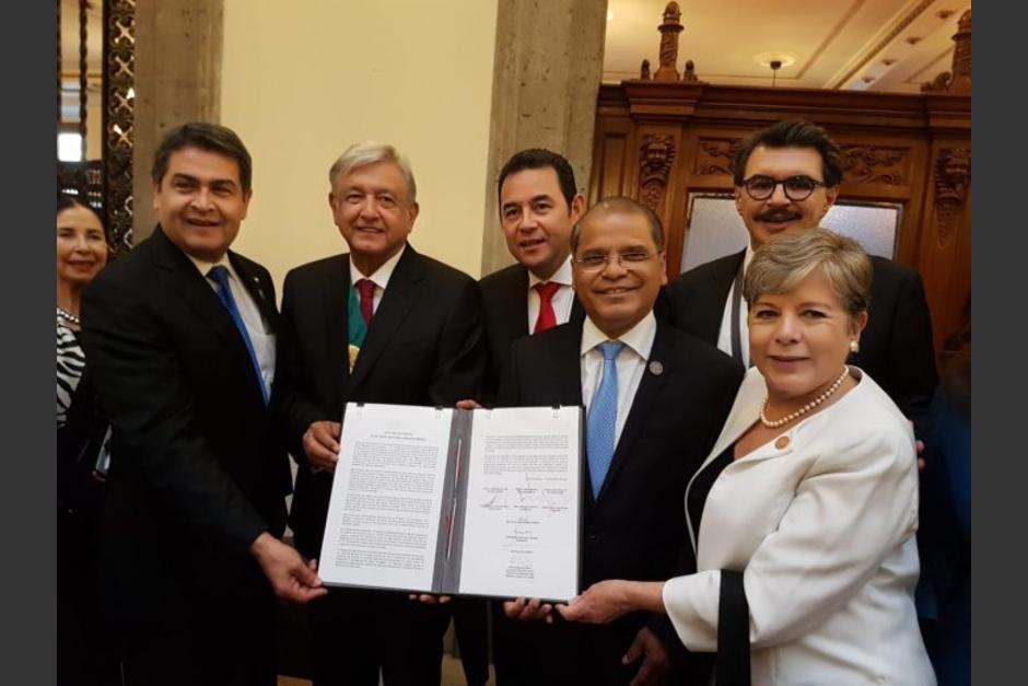 AMLO y presidentes de CA firman Plan de Desarrollo