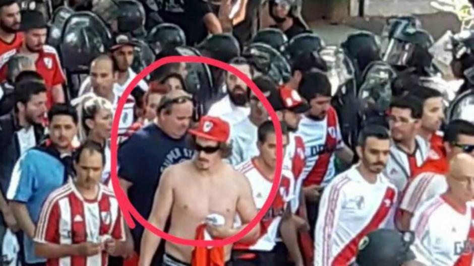 Barra brava de River Plate fue detenido por el ataque al bus de Boca Juniors. (Foto: Captura de video)