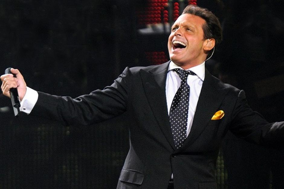 Luis Miguel recibe fuertes críticas por realizar un concierto borracho