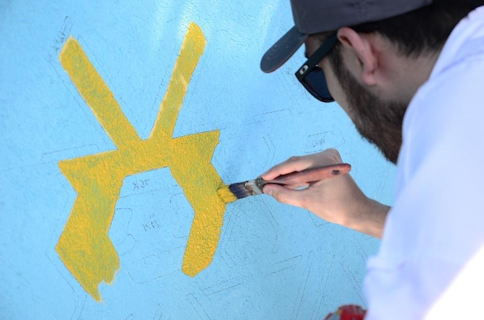 """""""Pintando Santa Catarina Palopó"""" busca voluntarios para decorar las casas con los colores propios de la ocmunidad.  (Foto: Selene Mejía/Soy502)"""