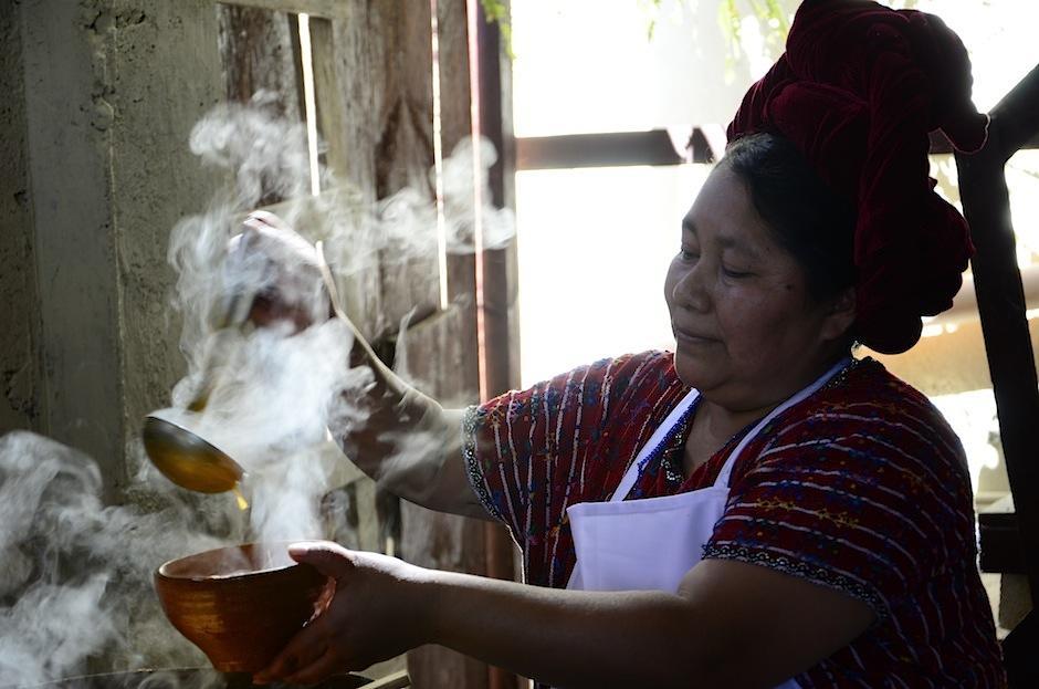 Puedes conocer las costumbres y tradiciones de esta comunidad gracias a María Estela, promotora del Centro Cultural santa Catarina. (Foto: Selene Mejía/Soy502)