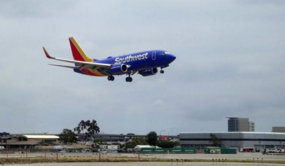 Olvidan corazón humano a bordo de avión en Estados Unidos