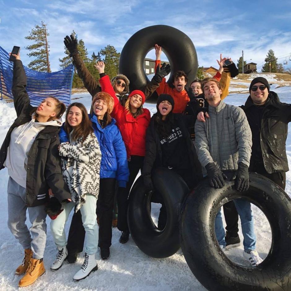 Selena luce feliz con sus amigos. (Foto: Instagram)