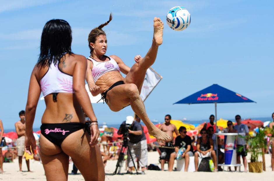 """El """"futvoley"""" en una combinación de fútbol playa con voleibol. (Foto: Instagram)"""
