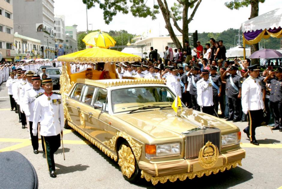 El Sultán de Brunéi Darussalam posee una de la colecciones de aunto más grandes del mundo. (Foto: Eurovision)