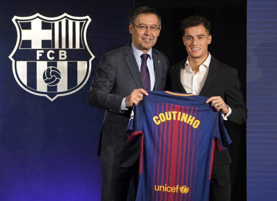Philippe Coutinho hizo su presentación oficial con el FC Barcelona. (Foto: AFP)