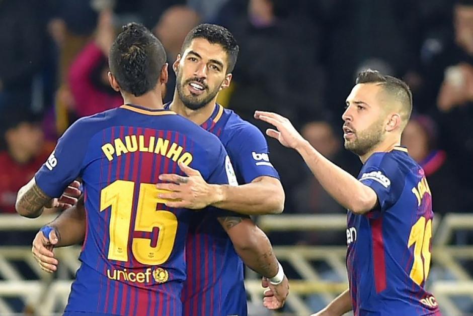 Luis Suárez se puso la capa para convertirse en el héroe de los catalanes. (Foto: AFP)