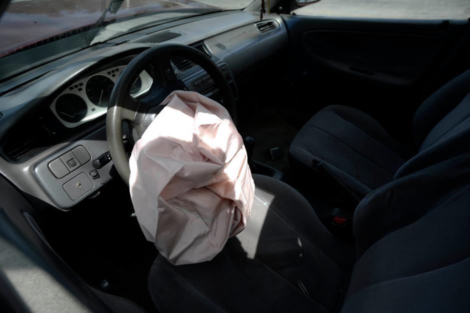 El detenido no pudo escapar luego del choque. (Foto: Wilder López/Soy502)