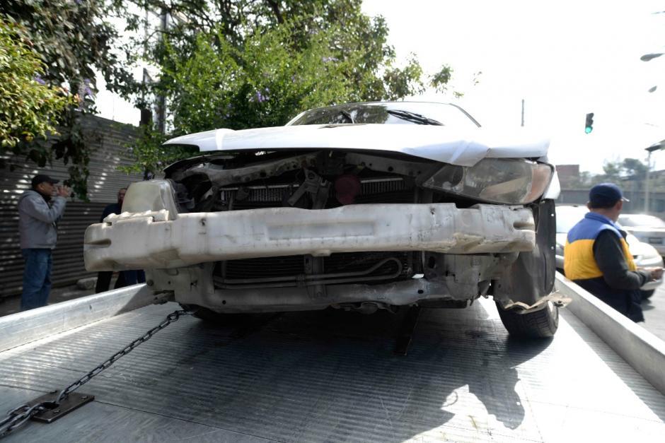 En el otro carro involucrado viajaban tres personas. (Foto: Wilder López/Soy502)