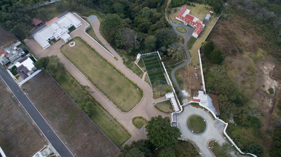 Vista aérea de la vivienda de Manuel Baldizón que fue allanada por el MP. (Foto: Wilder López/Soy502)