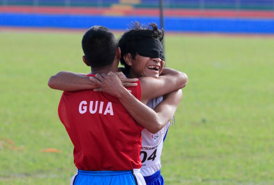 La felicidad del triunfo en una fotografía. (Foto: CDAG)