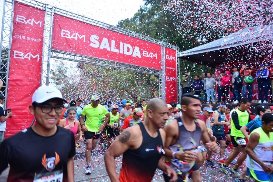 La carrera inició a las 7:00 en la avenida Juan Chapin. (Foto: Jesús Alfonso/Soy502)