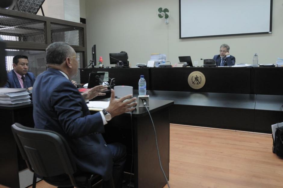 Arístides Crespo declara ante el juez Miguel Ángel Gálvez. (Foto: Wilder López/Soy502)