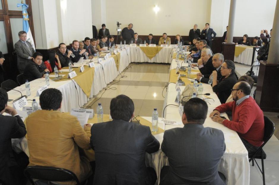 Los jefes de bloque se reunieron de urgencia para definir la agenda de la próxima sesión. (Foto: Wilder López/Soy502)