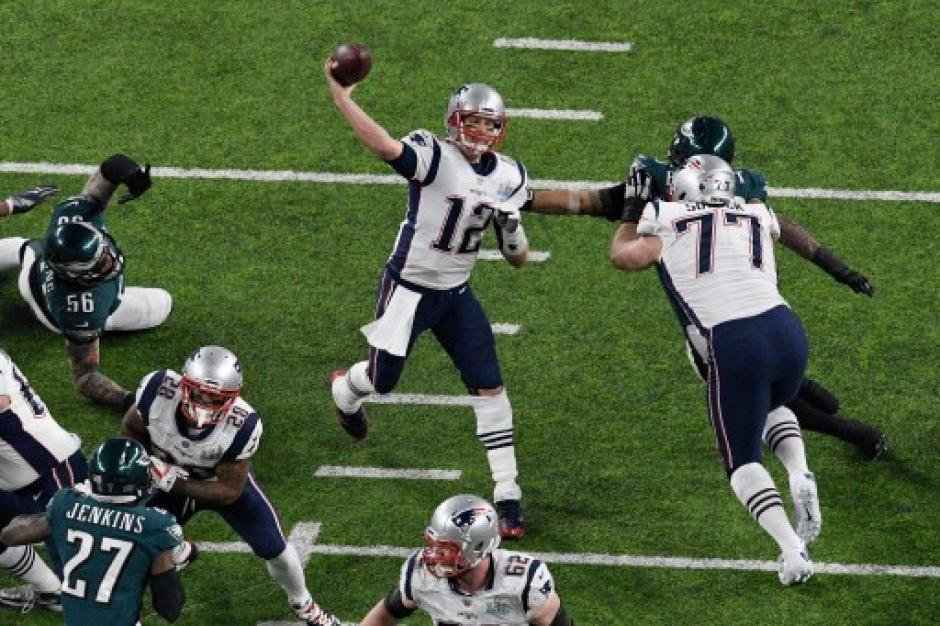 Tom Brady y toda su experiencia en favor de los Patriots que sin embargo no pudieron. (Foto: AFP)