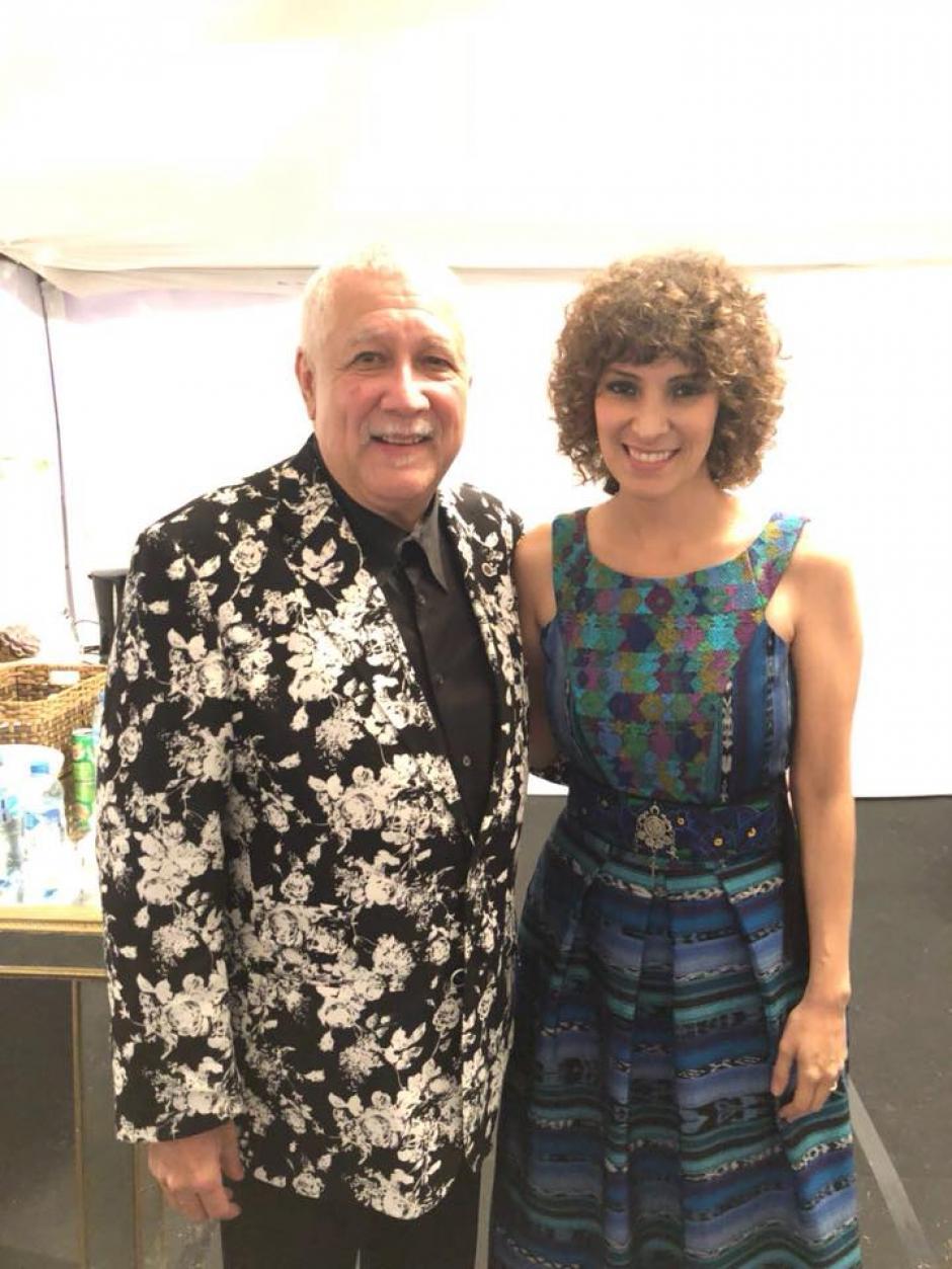 El jazzista cubano Paquito D'Rivera también celebró al músico mexicano. (Foto: Gaby Moreno oficial)