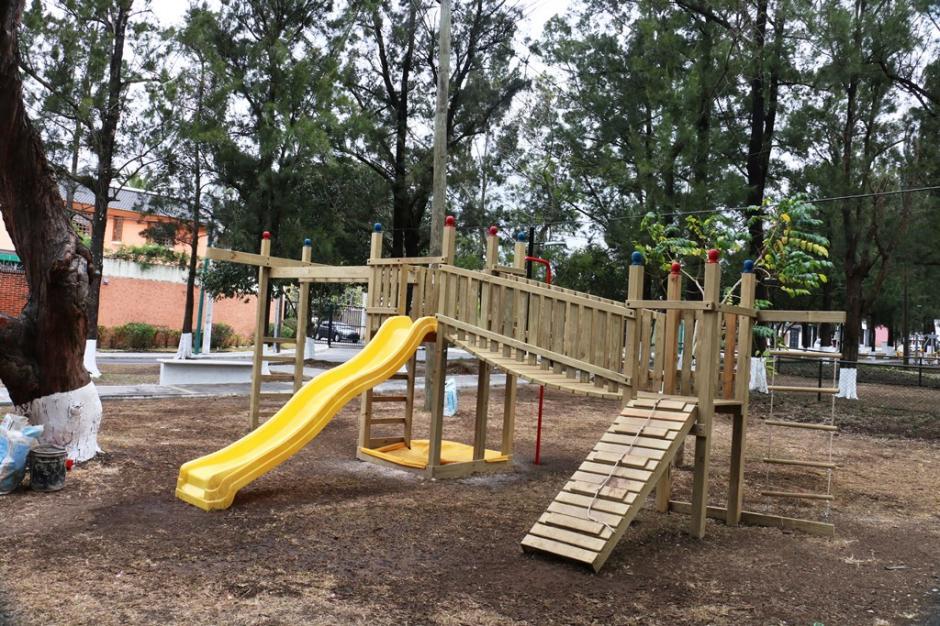 Se llevó a cabo el remozamiento de un área recreativa ubicada en Mariscal, zona 11. (Foto: cortesía Spectrum)