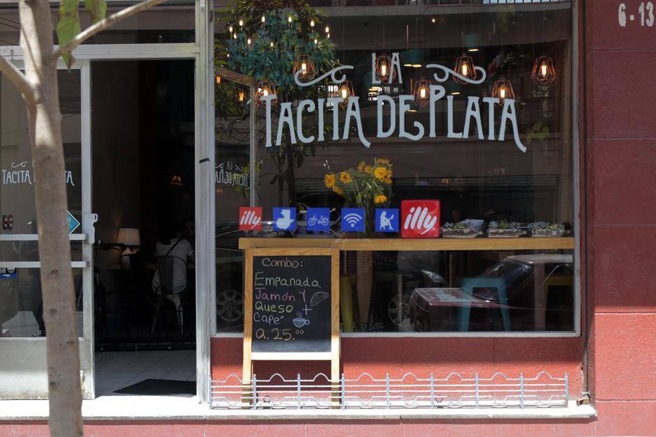 La Tacita de Plata ofrece un servicio personalizado para sus clientes. (Foto: Alejandro Balán/Soy502)