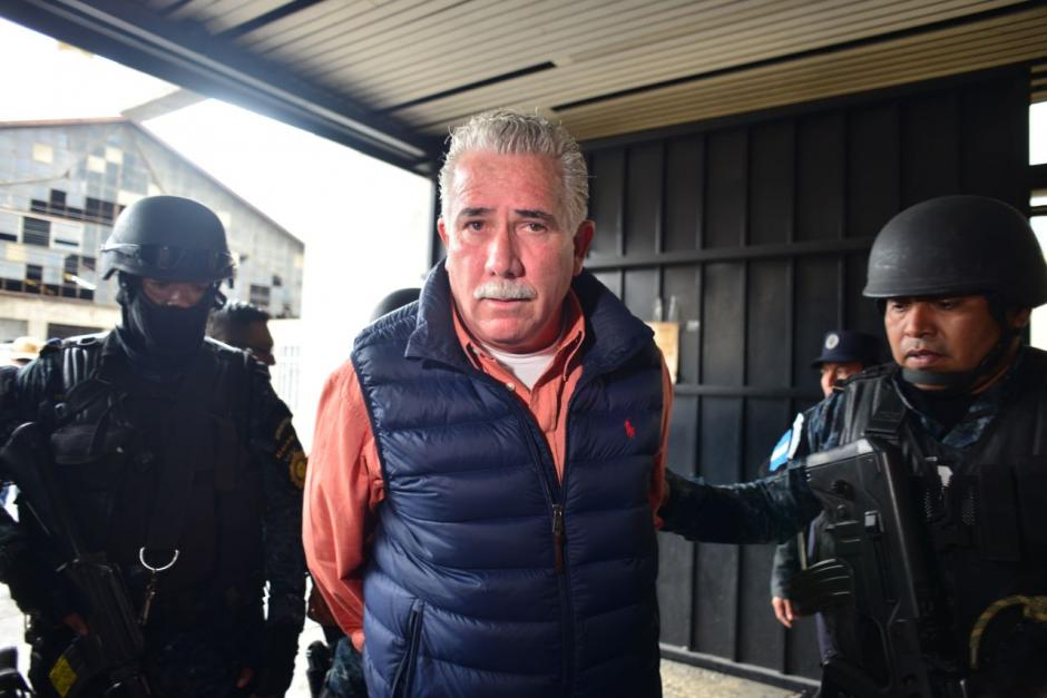 La patrulla que llevaba a Salvador Gándara, exministro de Gobernación, sufrió un accidente. (Foto: Jesús Alfonso/Soy502)