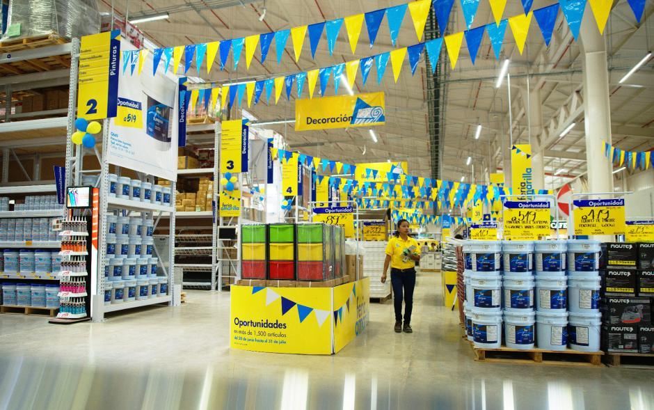 La nueva tienda EPA está ya abierta al público en general. (Foto: George Rojas/Soy502)