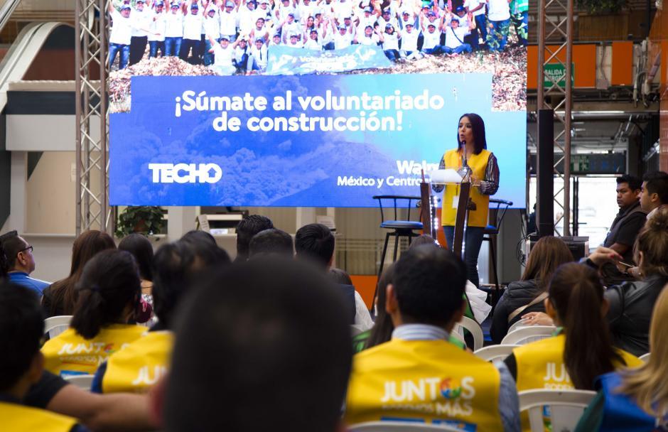 Fundación Walmart de México donó 4 mil despensas con productos de consumo. (Foto: Victor Xiloj/Soy502)
