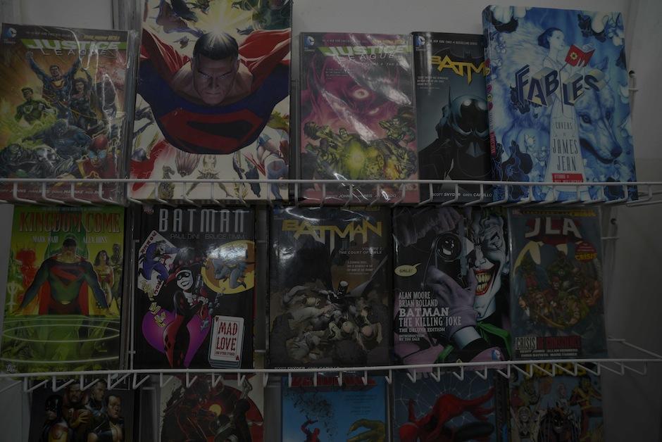 Quienes llevan un recuento de los comics de los 70, 80 y 90 pueden visitar Kirby Store.  (Foto: Wilder López/Soy502)