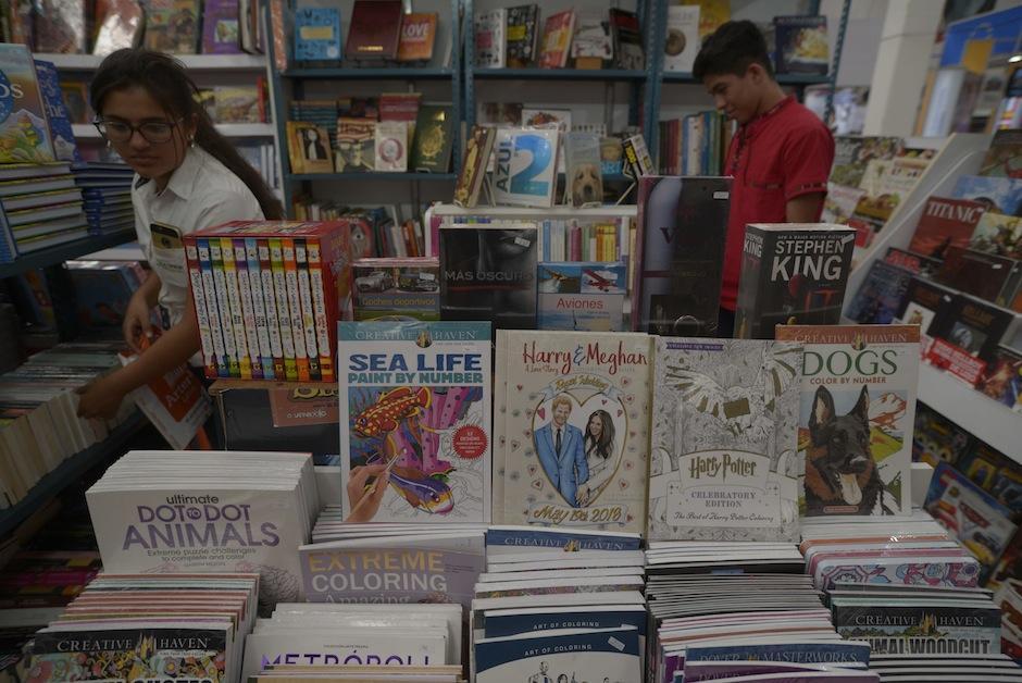 Quienes gustan de la ciencia ficción pueden buscar Aldisa y buscar los principales títulos.  (Foto: Wilder López/Soy502)